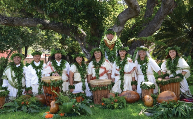 Ka Pā Hula o Kaheakulani under the direction of kumu hula Kalani Akana on the day of their 'ūniki ceremony in August 2014. photos by Kapulani Landgraf.